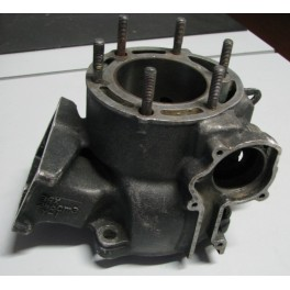 cilindro originale Yamaha Yz 250 1984 39X-11311-00 usato d.69