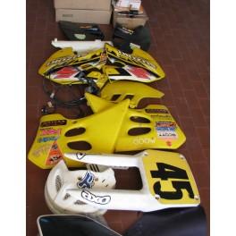 vendo in blocco ricambi nuovi ed usati Suzuki RM 125-250 ANNI 80-90-2000