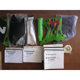 vendo in blocco ricambi nuovi ed usati Kawasaki KX 125-250 ANNI 80-90-2000